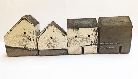 set of 4 houses 0581