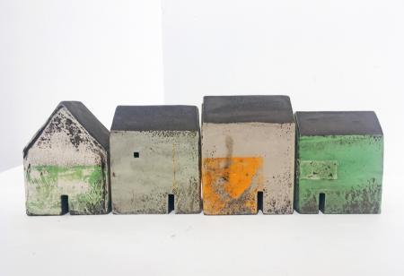 Set of houses 4498 a