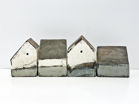 set of 4 houses 540